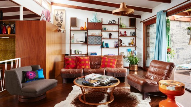 The mid-century Beaumaris living room of Annie Price and Jamie Paterson. Photo: Eve Wilson