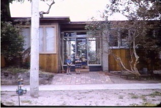 10 Valmont - Eric Lyon 1953 (architects own home)